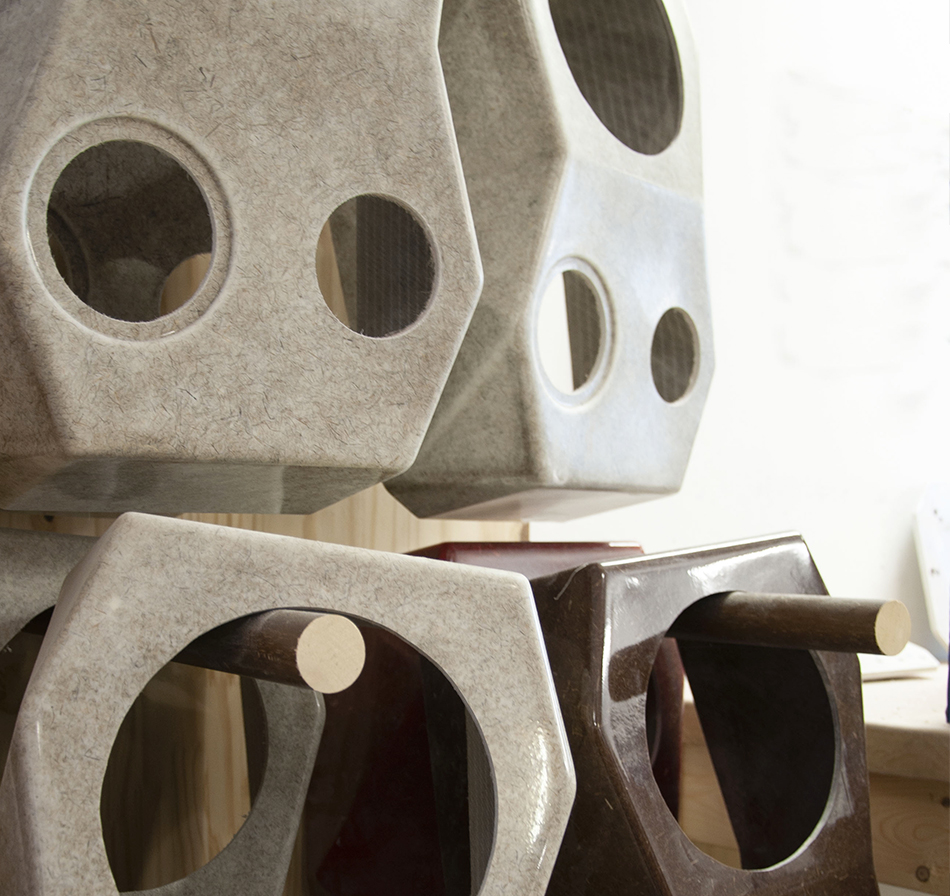 handmade-in-les-alpes-voodoo-boombox-nomad-speaker